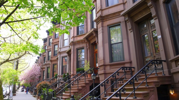 Strong composition in architecture, example 1: A brownstone rowhouse in Brooklyn.