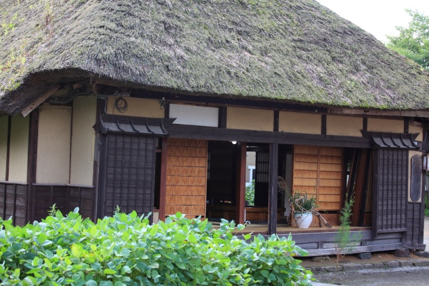 Strong composition in architecture, example 2: A traditional Japanese house.